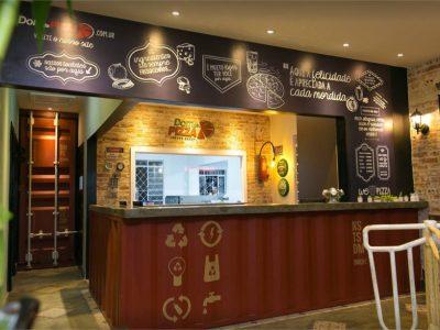 Conheça o restaurante Dom da Pizza: retrô, rústico e delicioso
