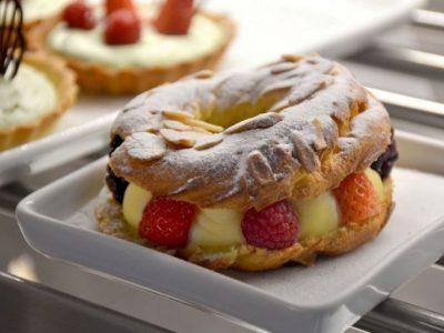 Prestinaria tem deliciosas sobremesas com frutas vermelhas