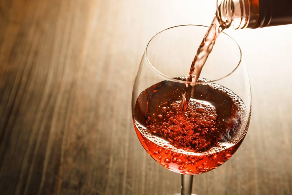 No Dia da Mulher, a taça de vinho ou a sobremesa são por conta da casa no Anarco Restaurante e Empório.