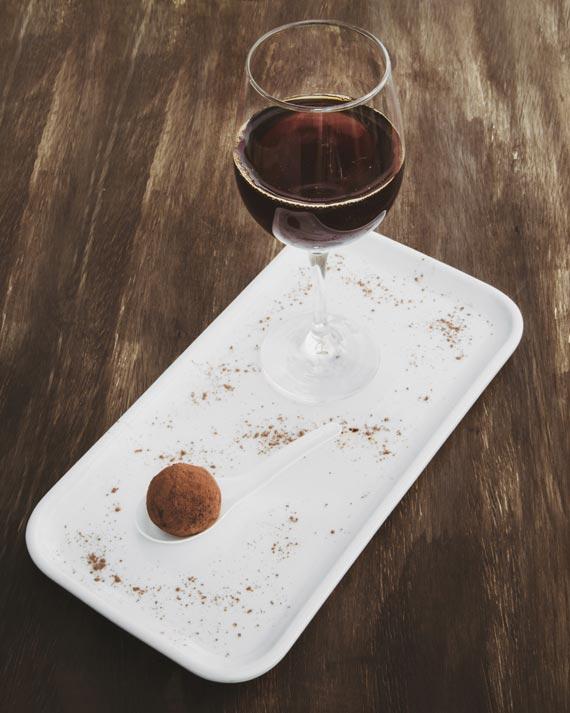 Café maturado em barril de Whiskey, extraído no método Hario V60 e Trufa do Café São Miguel para a Coffee Week Curitiba 2018