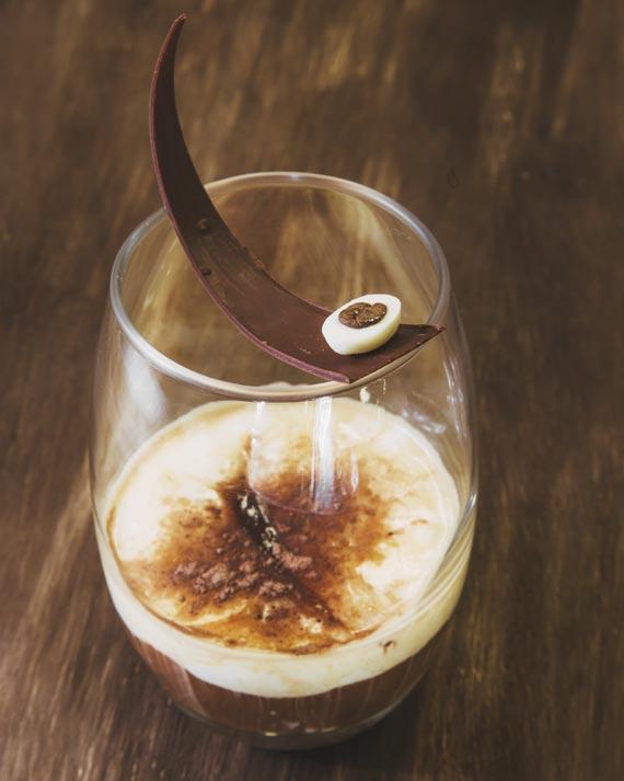 Doppio com tiramisú e pralin de castanha do Pará do Nougat para o festival Coffee Week Curitiba 2018