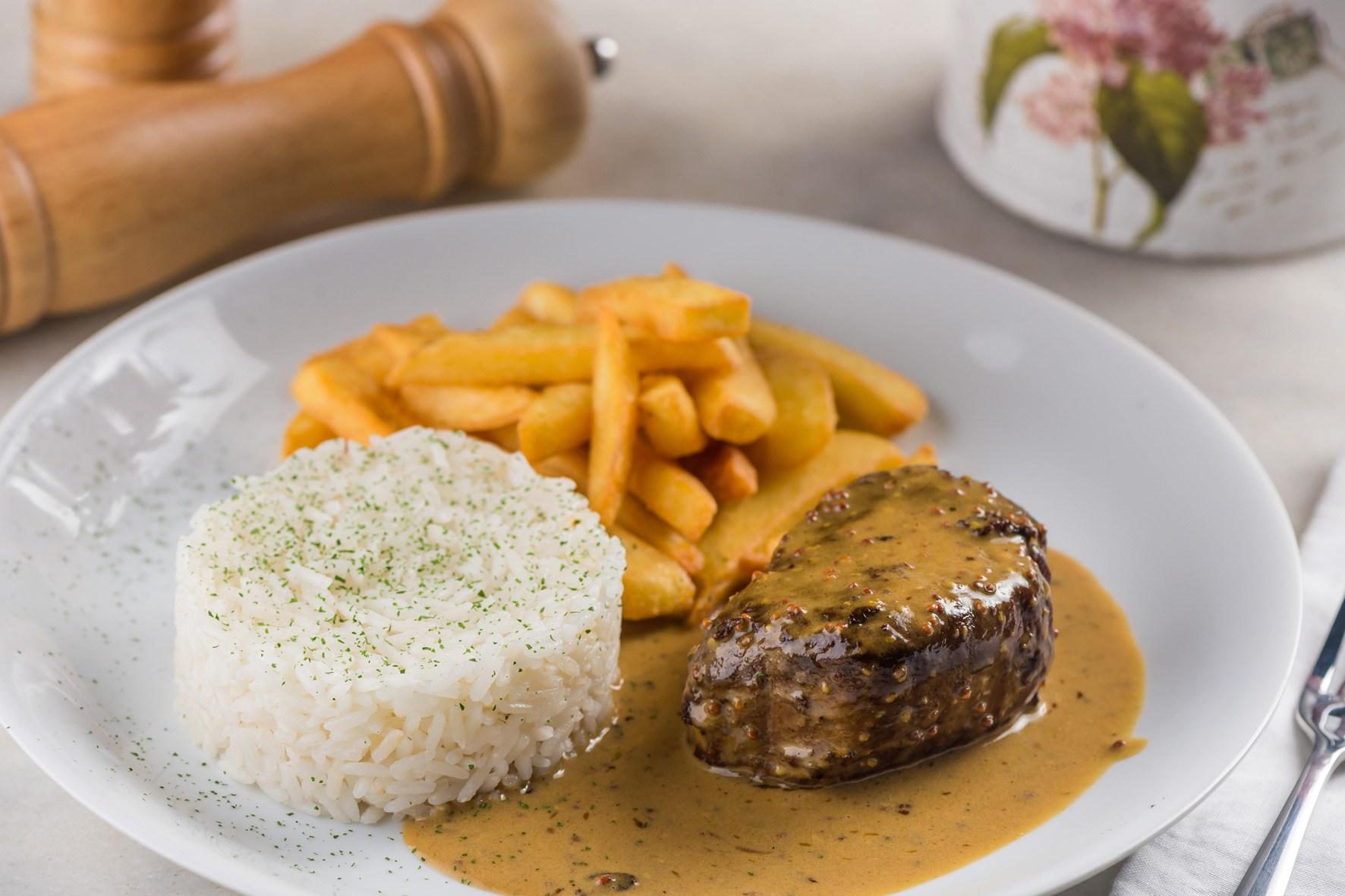 Filet Mignon Dijon do Laurier Petite Cuisine no Fresh Live Market