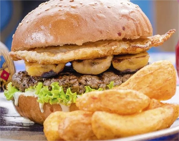 burger-fest-Peruano-Gastronomia-E-Culturao-Opção-HambúrgueraLoPobre-bem-em-curitiba-foto-divulgacao