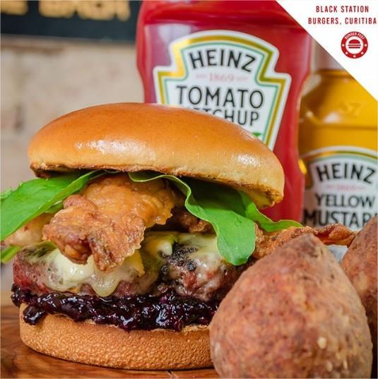 burger-fest-black-station-BrieBerryBacon-comer-bem-em-curitiba-foto-divulgacao
