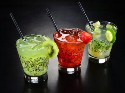 Festival de Caipirinhas celebra o sabor do Brasil no bar e restaurante O Jardineiro