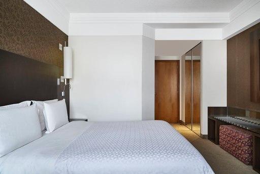 Top-3-hotéis-em-Curitiba-para-o-Dia-dos-Namorados-opção-Four-Points-by-Sheraton-Curitiba-quarto-superior-comer-bem-em-curitiba-foto-divulgação