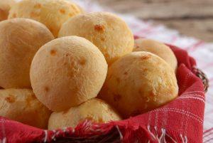 receita de pão de queijo mineiro com queijo Tirolez