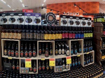 A hora das cervejas locais: cervejaria ØL Beer amplia espaço nos supermercados de Curitiba