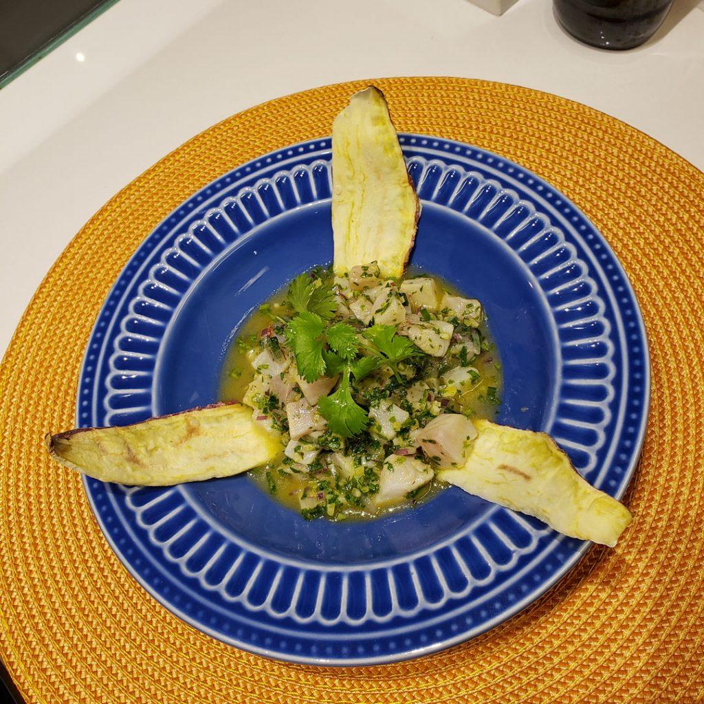 prato de ceviche do chef Henrique Escábia